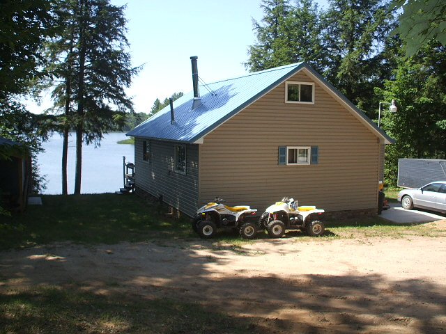 16 Lake Lodges Cabin is in a private, secluded location